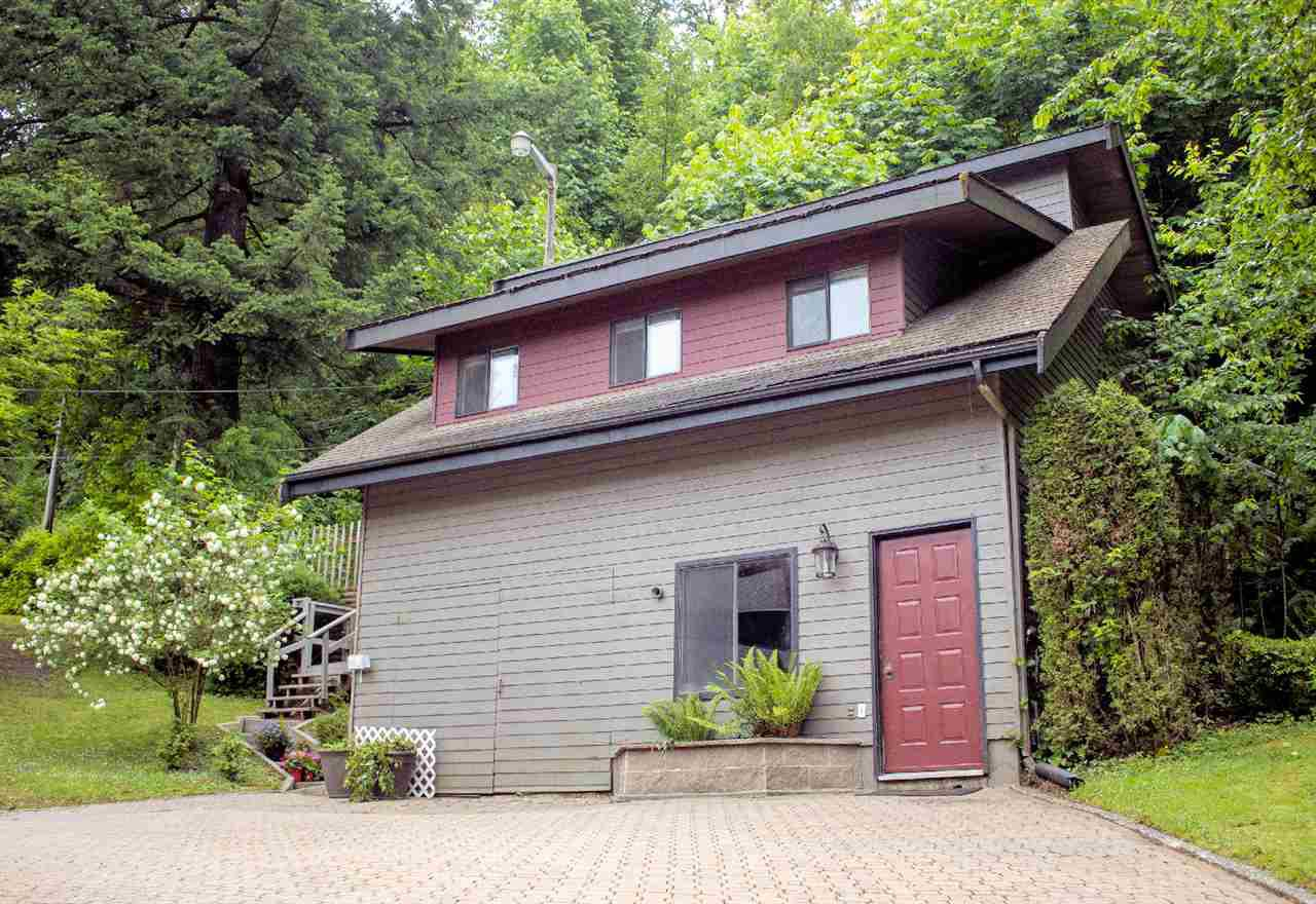 Photo 3: Photos: 43250 OLD ORCHARD Road in Chilliwack: Chilliwack Mountain House for sale : MLS®# R2461438
