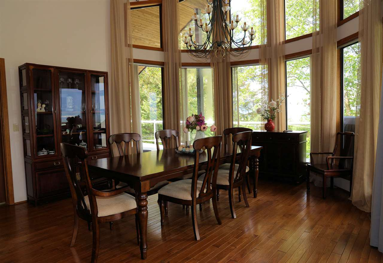Photo 14: Photos: 43250 OLD ORCHARD Road in Chilliwack: Chilliwack Mountain House for sale : MLS®# R2461438