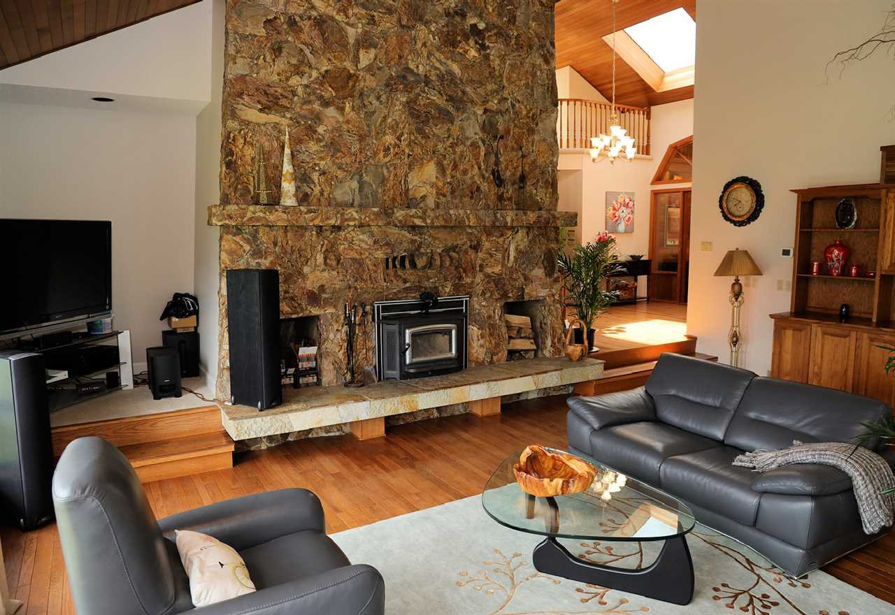 Photo 13: Photos: 43250 OLD ORCHARD Road in Chilliwack: Chilliwack Mountain House for sale : MLS®# R2461438