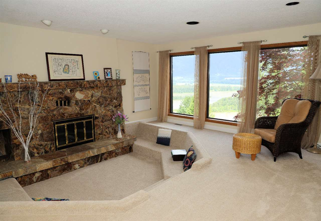 Photo 11: Photos: 43250 OLD ORCHARD Road in Chilliwack: Chilliwack Mountain House for sale : MLS®# R2461438