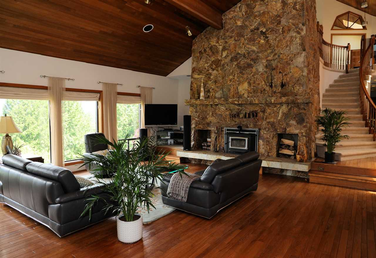 Photo 12: Photos: 43250 OLD ORCHARD Road in Chilliwack: Chilliwack Mountain House for sale : MLS®# R2461438