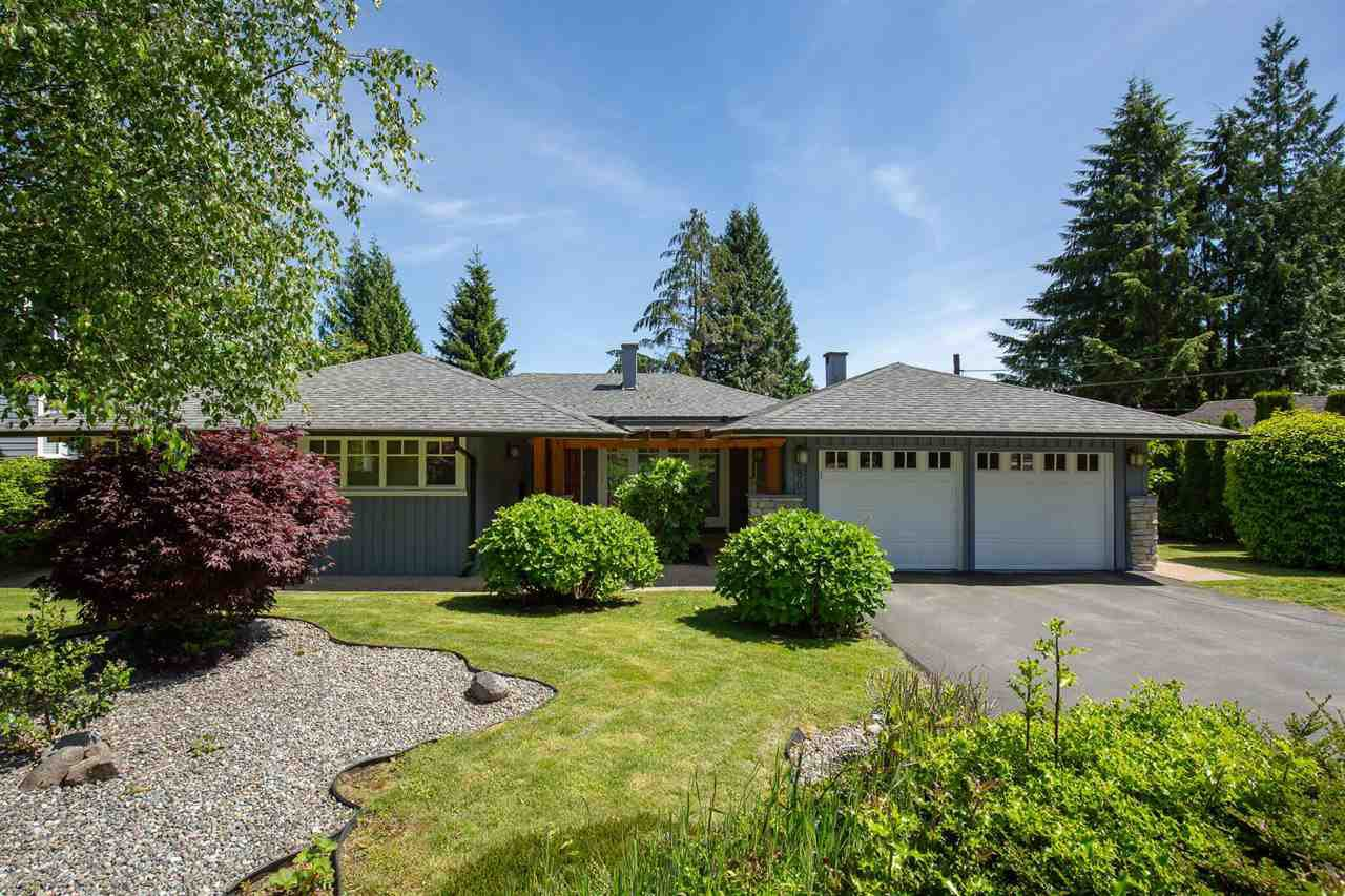 Main Photo: 80 GLENMORE Drive in West Vancouver: Glenmore House for sale : MLS®# R2468139