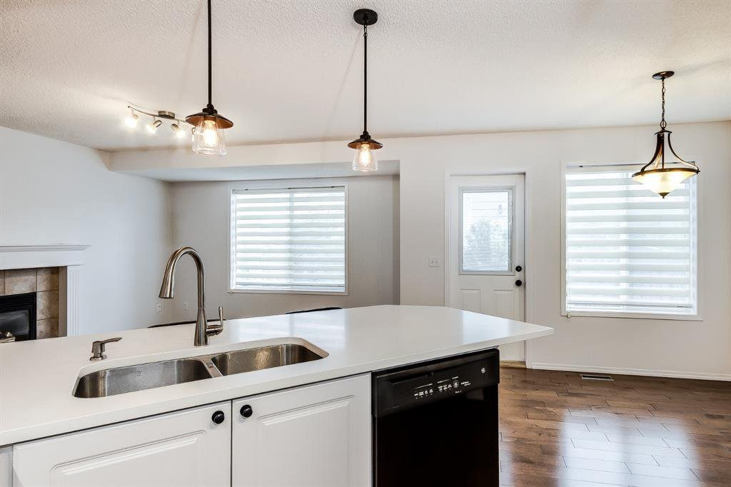 Main Photo: 38 MT ABERDEEN Grove SE in Calgary: McKenzie Lake Detached for sale : MLS®# A1028563