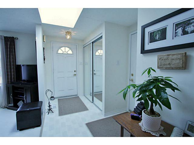 Photo 2: Photos: 54 DOUGLAS DR in BARRIE: House for sale : MLS®# 1403531
