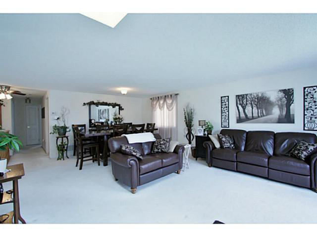 Photo 4: Photos: 54 DOUGLAS DR in BARRIE: House for sale : MLS®# 1403531