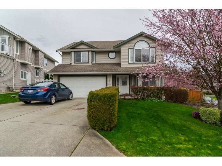 Main Photo: 7982 TOPPER DRIVE in Mission: Mission BC House for sale : MLS®# R2042980