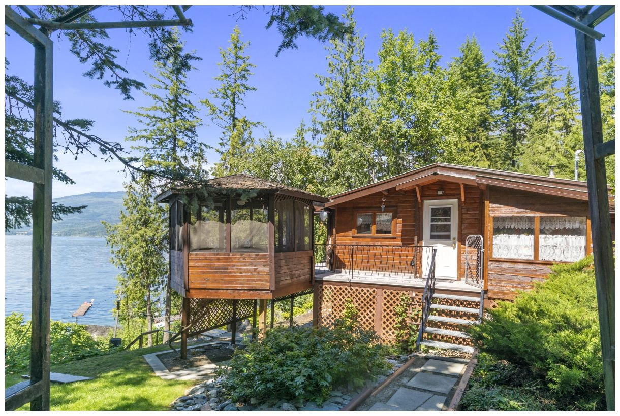 Main Photo: 13 5597 Eagle Bay Road: Eagle Bay House for sale (Shuswap Lake)  : MLS®# 10164493