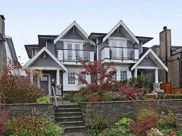 Main Photo: 310 E 5th Street in North Vancouver: House 1/2 Duplex for sale : MLS®# R2330089