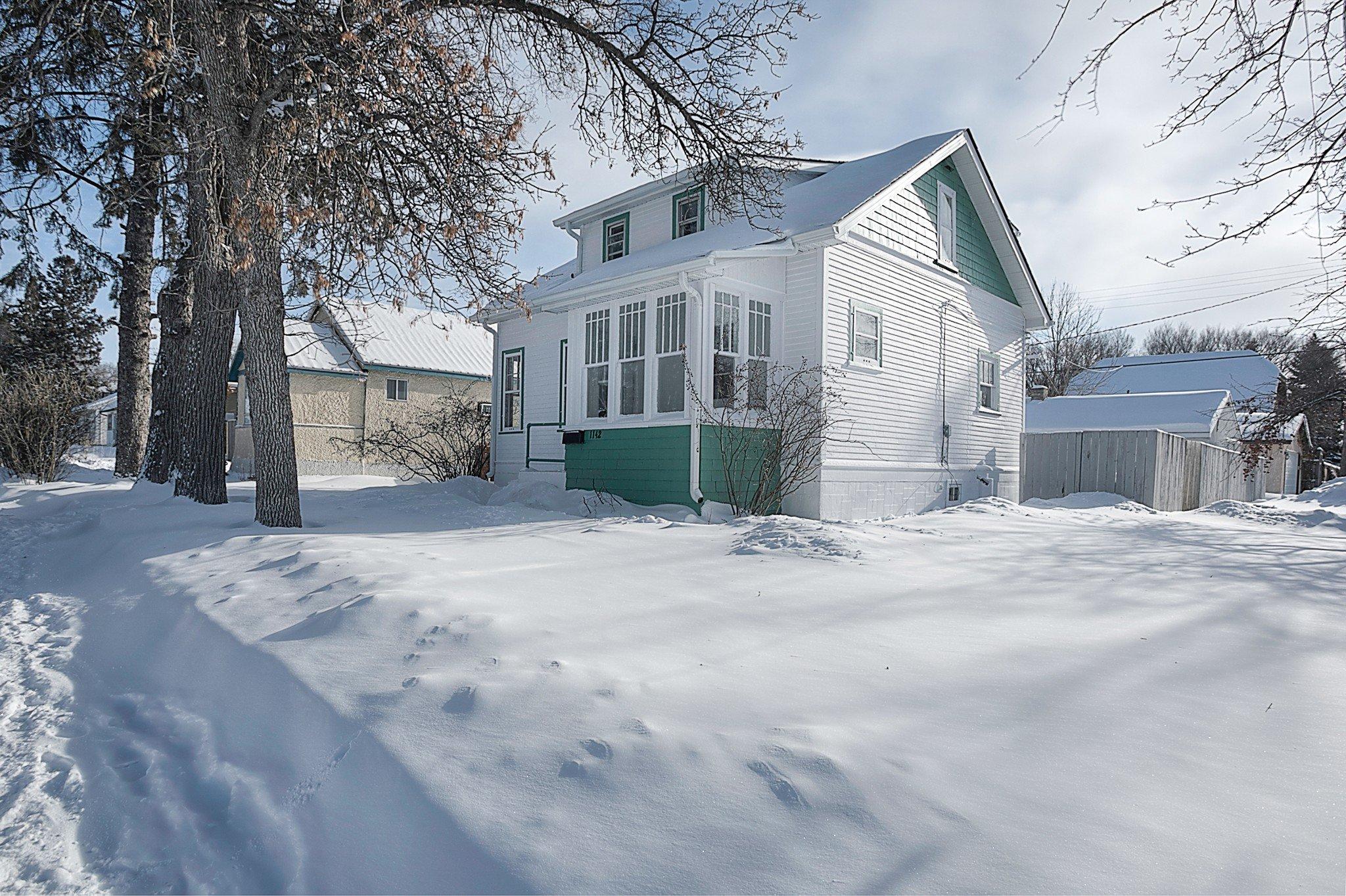 Main Photo: 1142 Rosemount Avenue in Winnipeg: West Fort Garry Single Family Detached for sale (1Jw)  : MLS®# 1902614