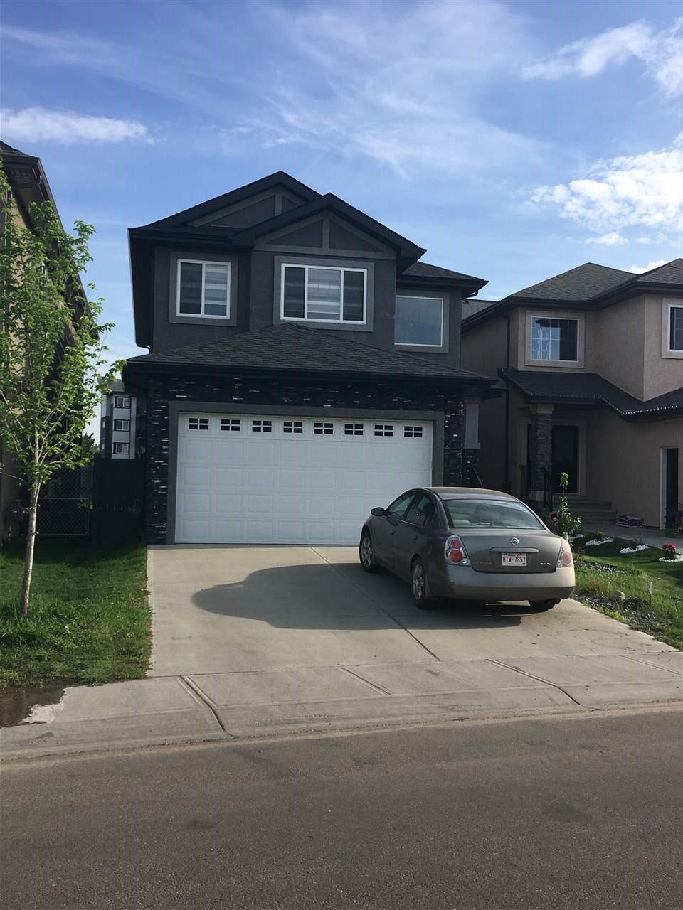 Main Photo: 705 ALBANY Place in Edmonton: Zone 27 House for sale : MLS®# E4177503