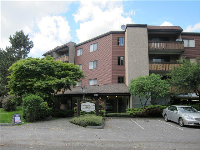"Main Photo: 217 8900 CITATION Drive in Richmond: Brighouse Condo for sale in ""CHANCELLOR GATE"" : MLS®# V1025078"