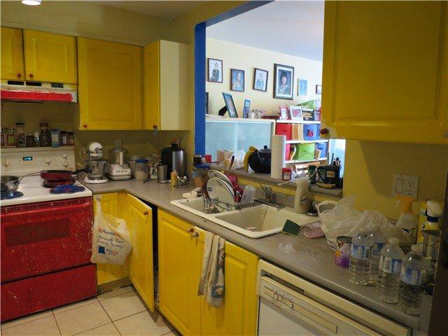 Main Photo: 201 2340 Hawthorne Avenue in Port Coquitlam: Central Pt Coquitlam Condo for sale : MLS®# V1080564