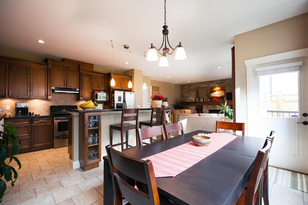 Photo 6: Photos: 14928 62 Avenue in Surrey: Sulivan Station House for sale : MLS®# R2030928