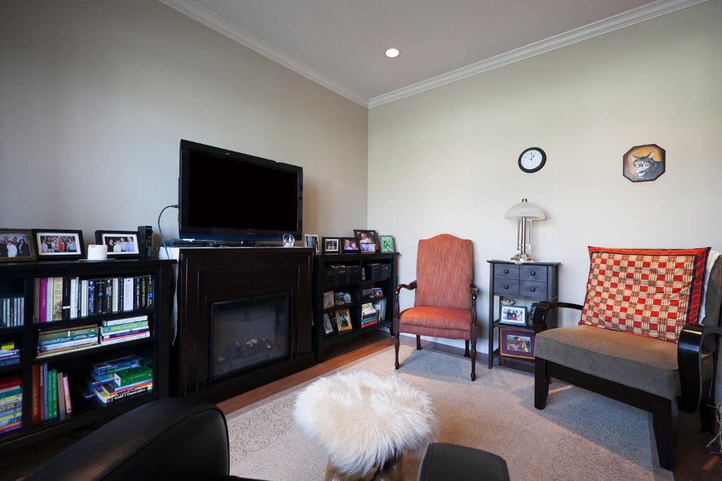 Photo 9: Photos: 14928 62 Avenue in Surrey: Sulivan Station House for sale : MLS®# R2030928