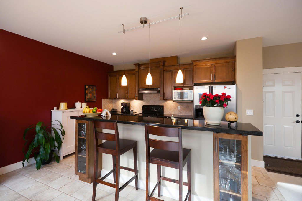Photo 5: Photos: 14928 62 Avenue in Surrey: Sulivan Station House for sale : MLS®# R2030928