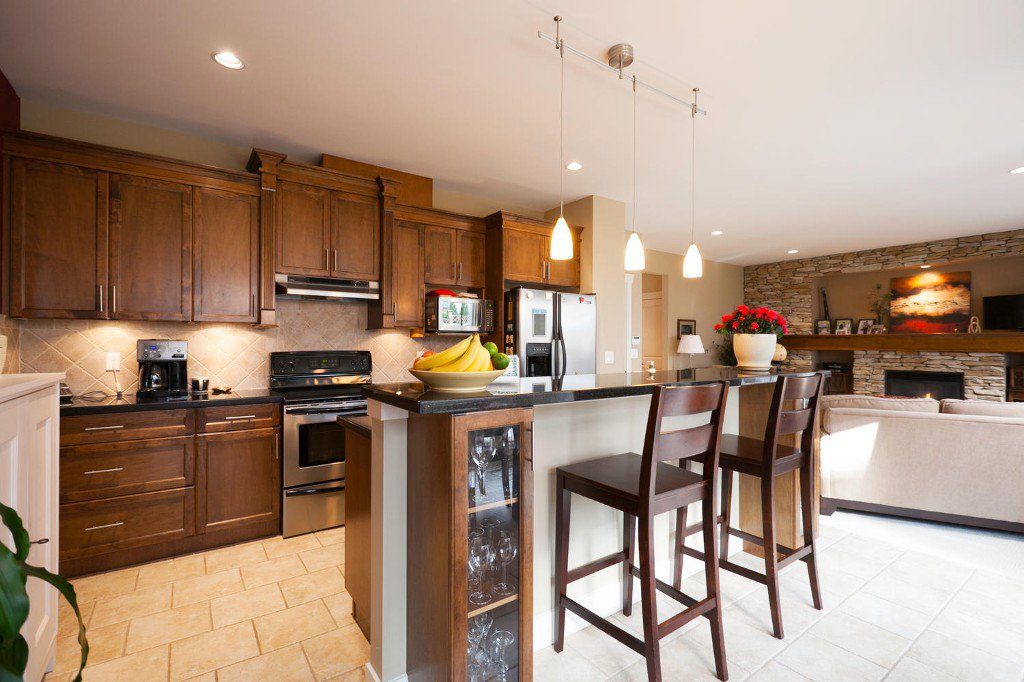 Photo 4: Photos: 14928 62 Avenue in Surrey: Sulivan Station House for sale : MLS®# R2030928