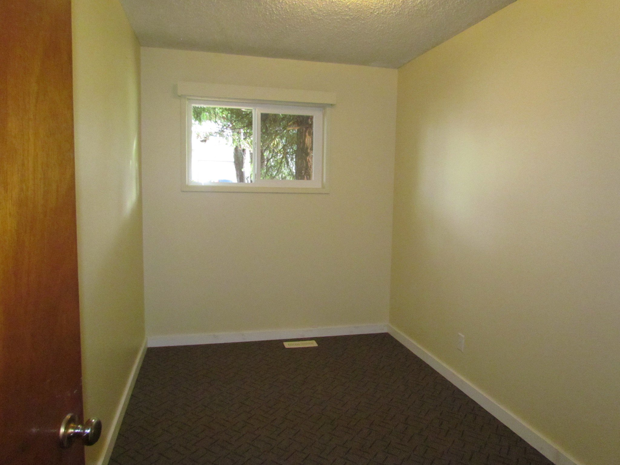 Photo 6: Photos: 1625 Kirklyn St. in Abbotsford: Central Abbotsford House for rent