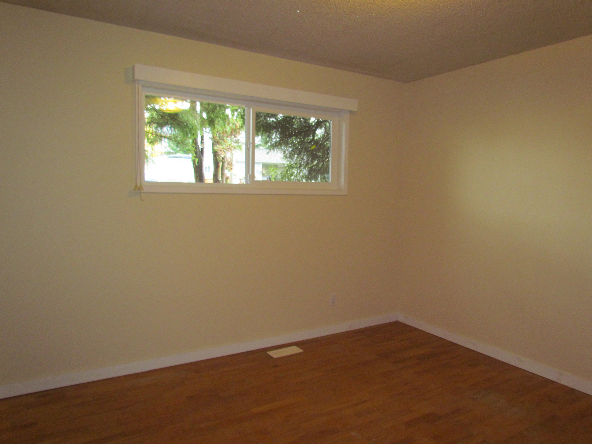 Photo 7: Photos: 1625 Kirklyn St. in Abbotsford: Central Abbotsford House for rent