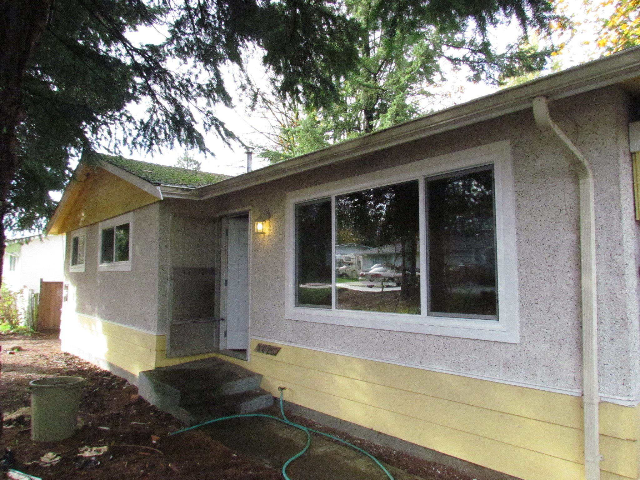 Main Photo: 1625 Kirklyn St. in Abbotsford: Central Abbotsford House for rent
