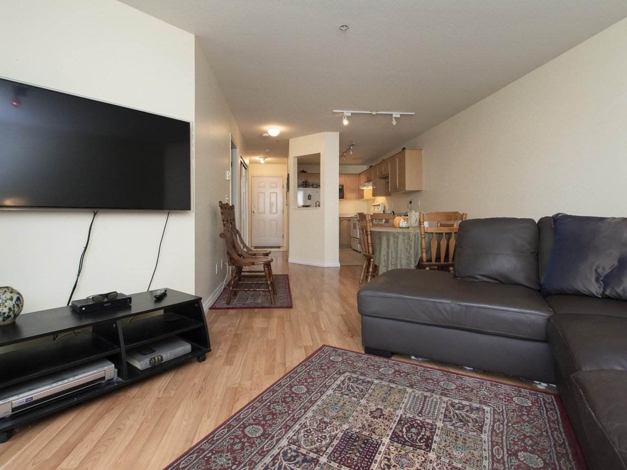 """Main Photo: 301 2615 JANE Street in Port Coquitlam: Central Pt Coquitlam Condo for sale in """"BURLEIGH GREEN"""" : MLS®# R2447351"""