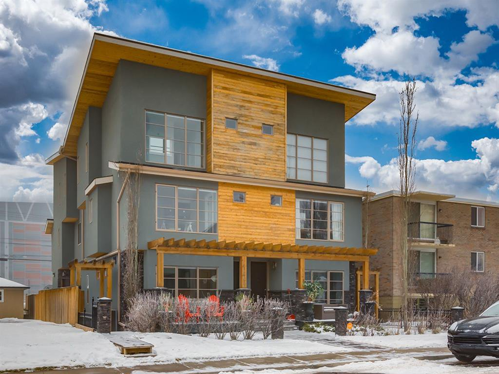 Main Photo: 1 1209 17 Avenue NW in Calgary: Capitol Hill Row/Townhouse for sale : MLS®# A1049759