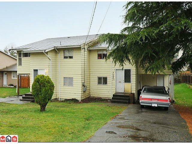 Main Photo: 7027 140TH Street in Surrey: East Newton Duplex for sale : MLS®# F1205361