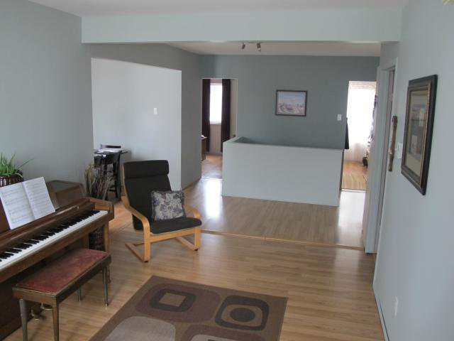 Photo 3: Photos:  in WINNIPEG: East Kildonan Residential for sale (North East Winnipeg)  : MLS®# 1305730