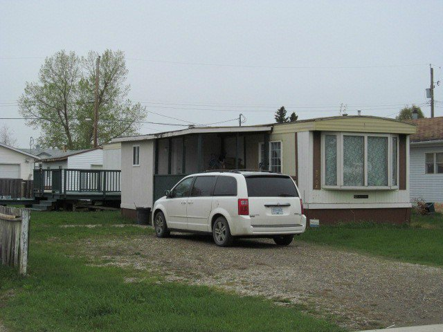 "Main Photo: 8604 77TH Street in Fort St. John: Fort St. John - City SE Manufactured Home for sale in ""W"" (Fort St. John (Zone 60))  : MLS®# N227734"