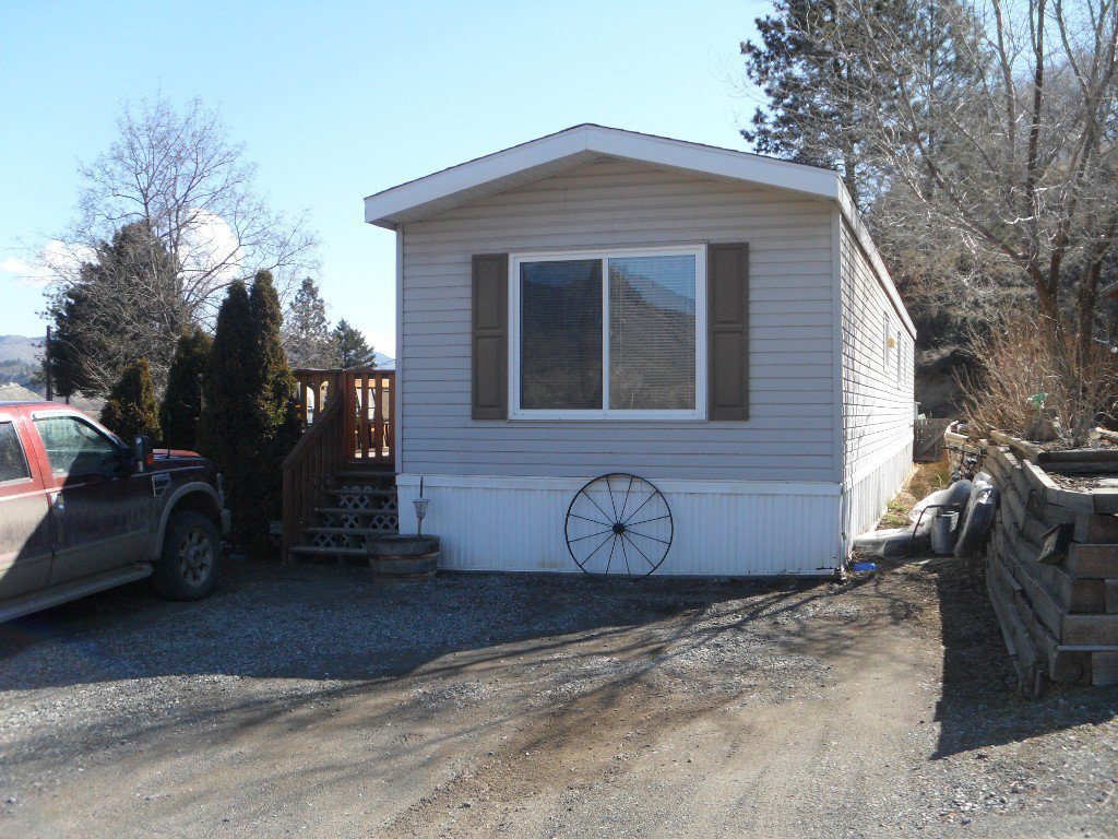Main Photo: 402 4395 E Trans Canada Hwy E in : Dallas Manufactured Home for sale (Kamloops)  : MLS®# 121513