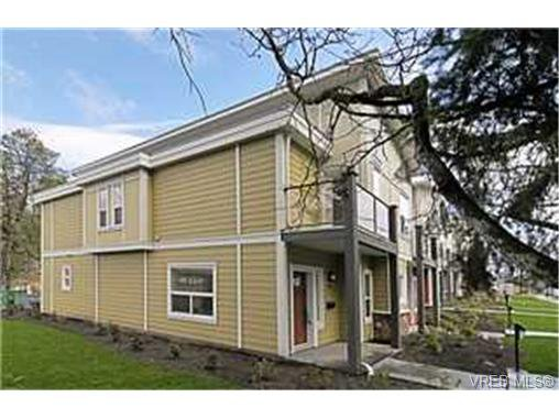 Main Photo:  in VICTORIA: La Langford Proper Row/Townhouse for sale (Langford)  : MLS®# 454765