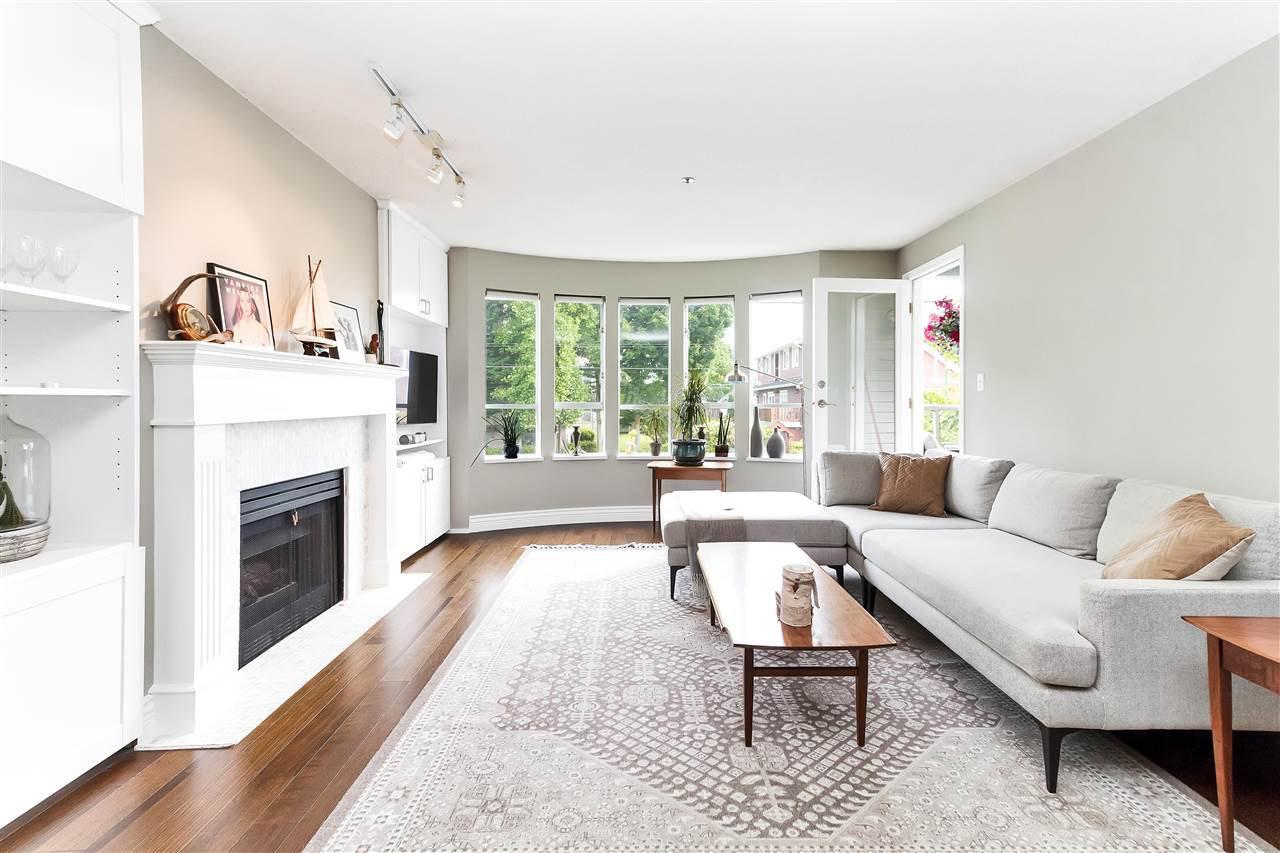 Main Photo: 202 3220 W 4th Avenue in Vancouver: Kitsilano Condo for sale (Vancouver West)  : MLS®# R2282068