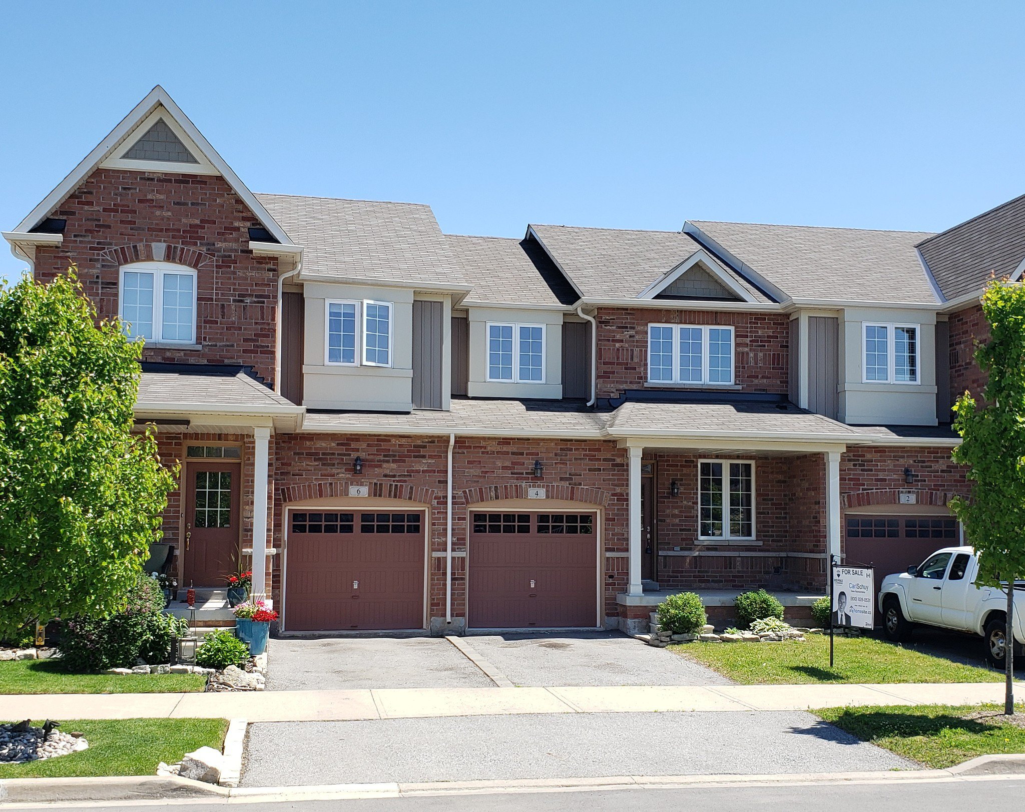 Main Photo: 4 Gunby Blvd: Waterdown Freehold for sale (Hamilton)  : MLS®# X4489120