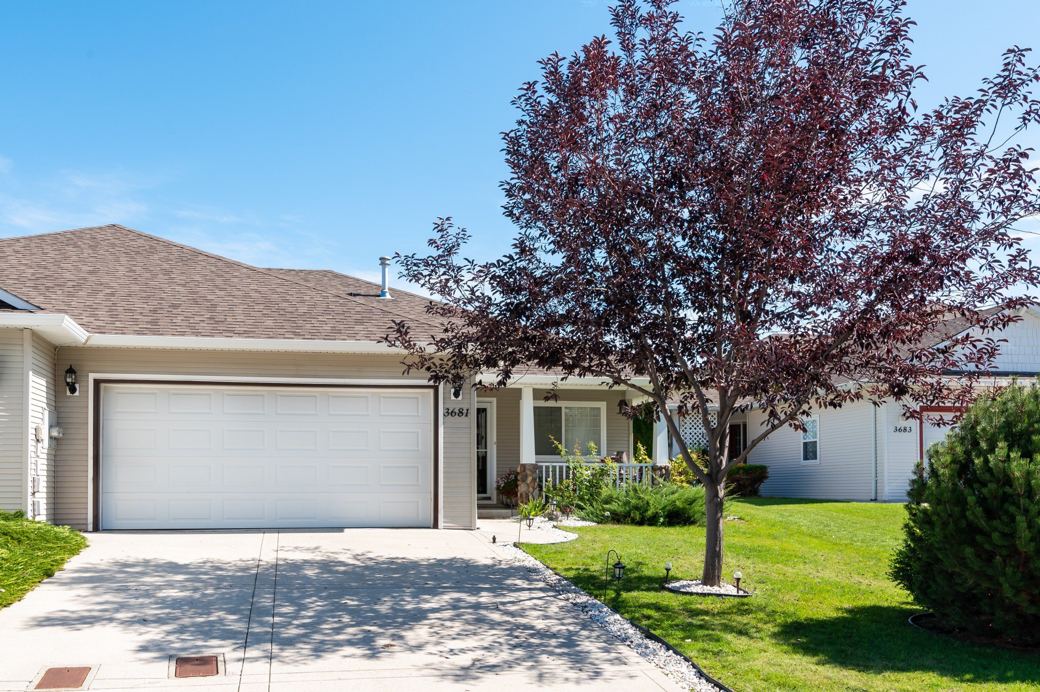Main Photo: 3681 Morningside Drive: West Kelowna House Duplex for sale (South Okanagan)  : MLS®# 10191317