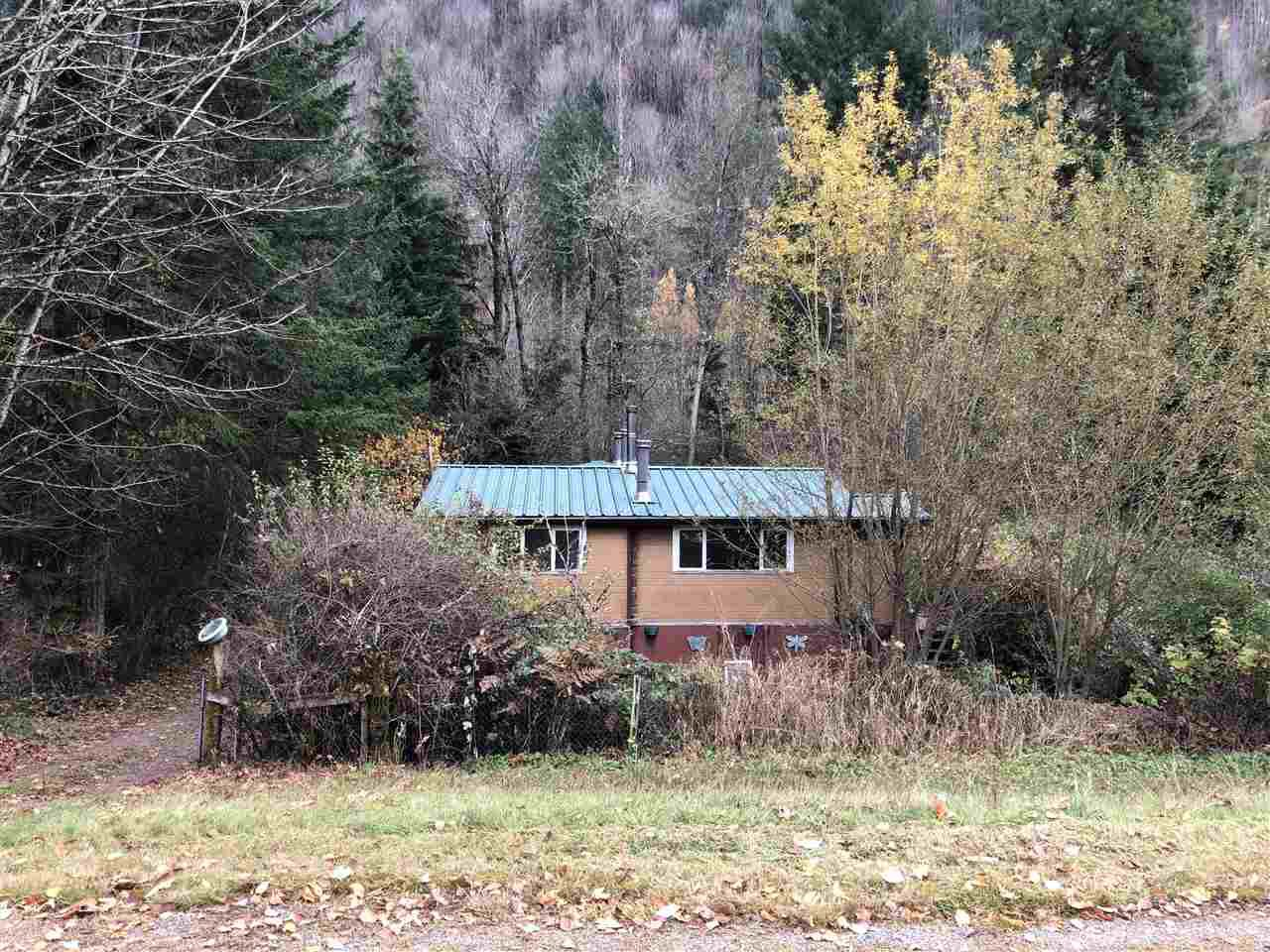 Main Photo: 43392 FROST Road: Columbia Valley House for sale (Cultus Lake)  : MLS®# R2419119