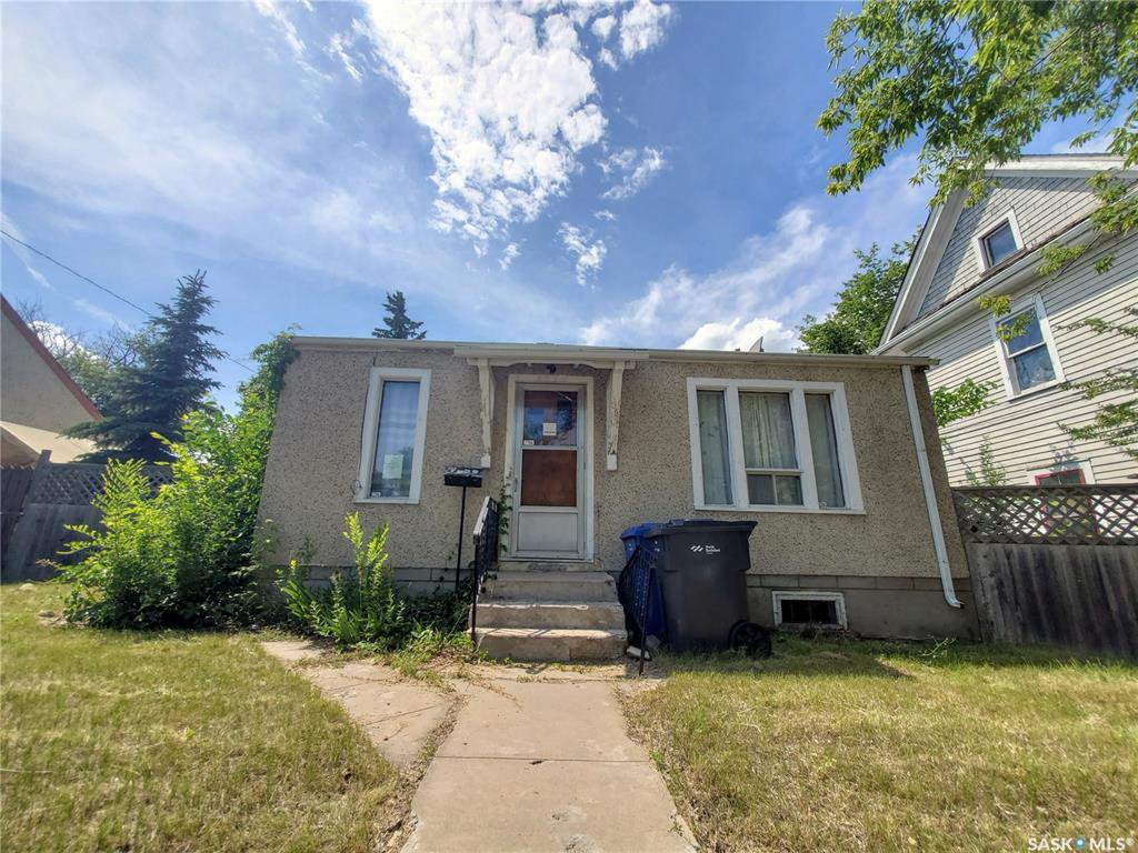 Main Photo: 1141 106th Street in North Battleford: East NB Residential for sale : MLS®# SK798353