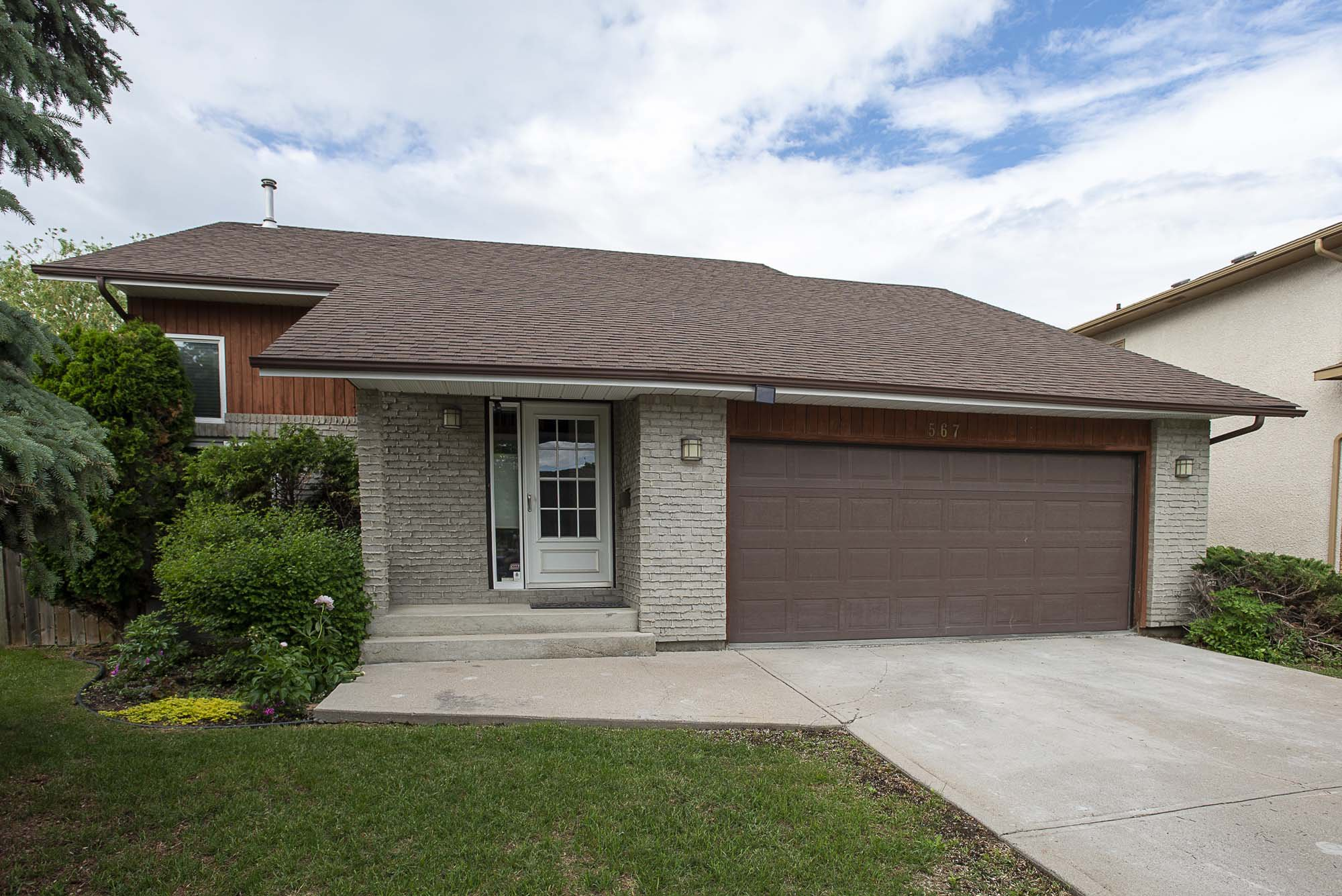 Main Photo: 567 Templeton Avenue in Winnipeg: Residential for sale (4F)  : MLS®# 202014719