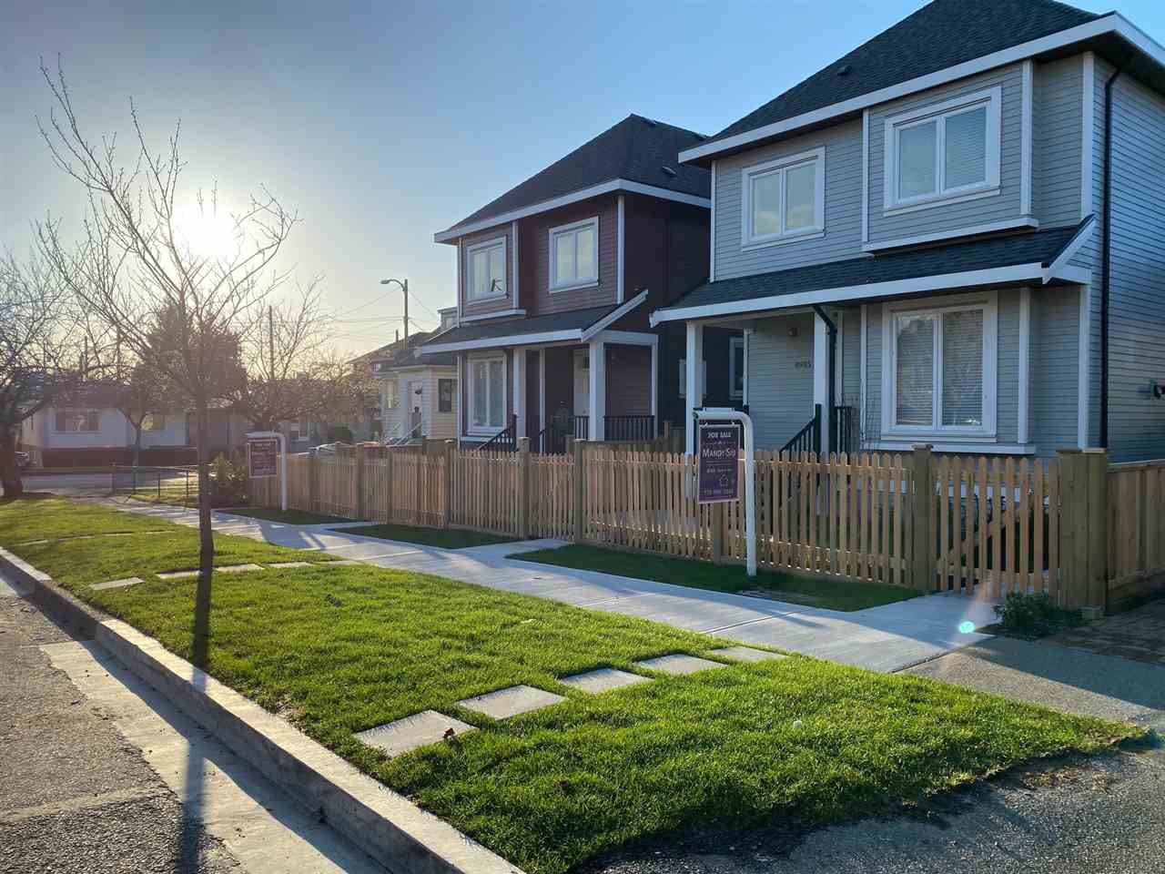 Main Photo: 4987 MOSS Street in Vancouver: Collingwood VE House 1/2 Duplex for sale (Vancouver East)  : MLS®# R2501134