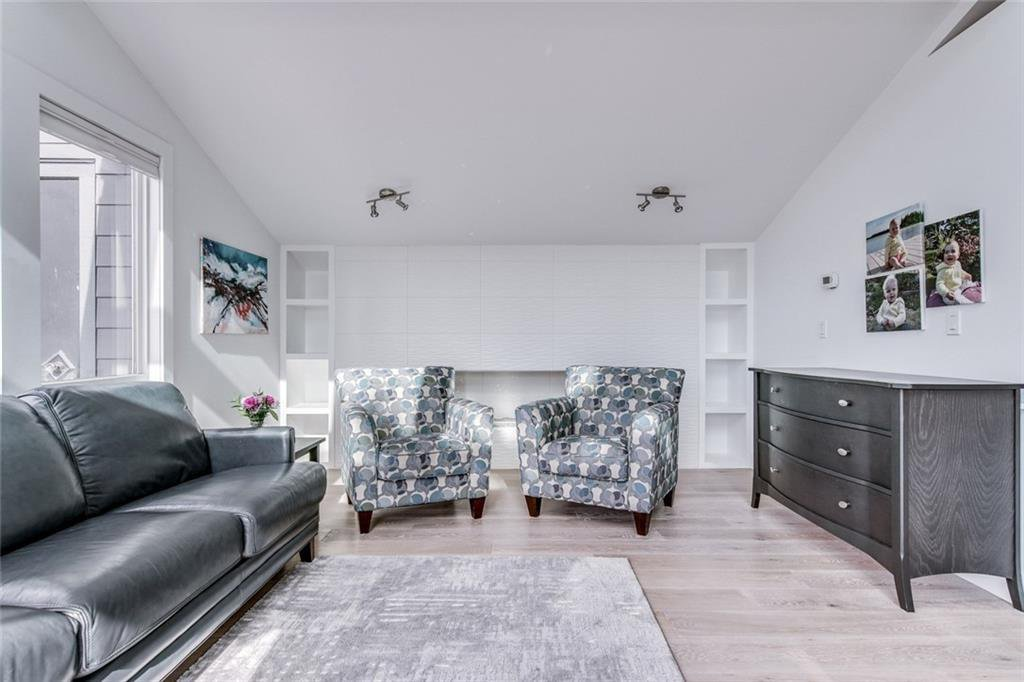 Photo 12: Photos: 2747 Chalice Road NW in Calgary: Charleswood Detached for sale : MLS®# A1043648