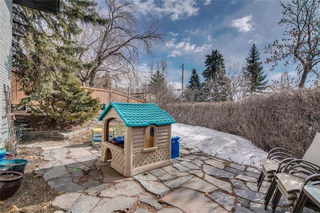 Photo 37: Photos: 2747 Chalice Road NW in Calgary: Charleswood Detached for sale : MLS®# A1043648