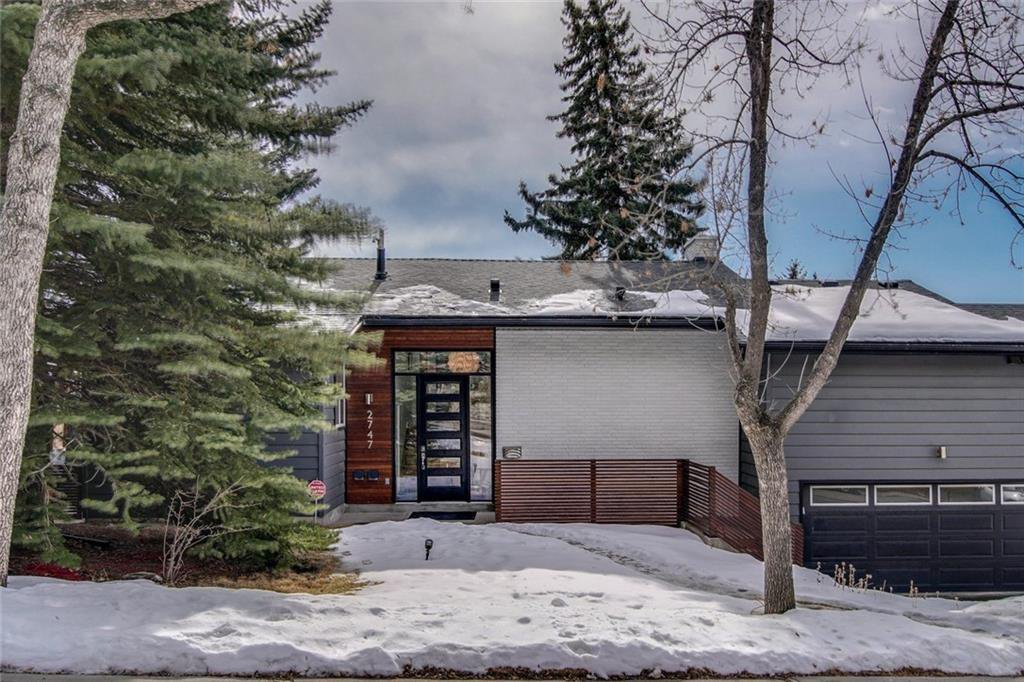 Photo 1: Photos: 2747 Chalice Road NW in Calgary: Charleswood Detached for sale : MLS®# A1043648