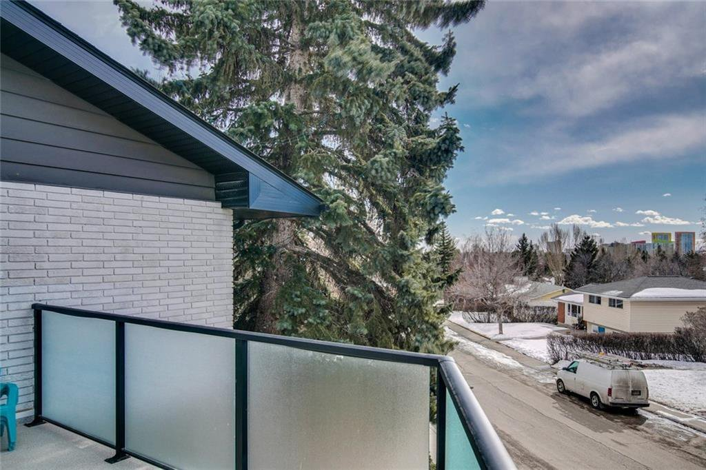 Photo 15: Photos: 2747 Chalice Road NW in Calgary: Charleswood Detached for sale : MLS®# A1043648