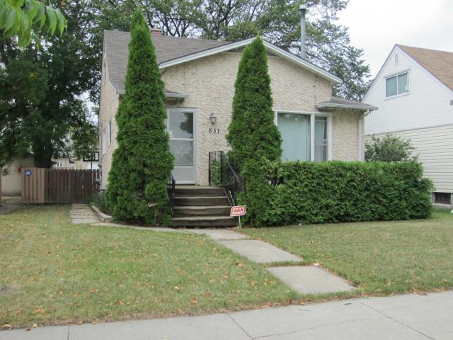 Main Photo: 831 Cambridge Street in WINNIPEG: River Heights / Tuxedo / Linden Woods Residential for sale (South Winnipeg)  : MLS®# 1218629