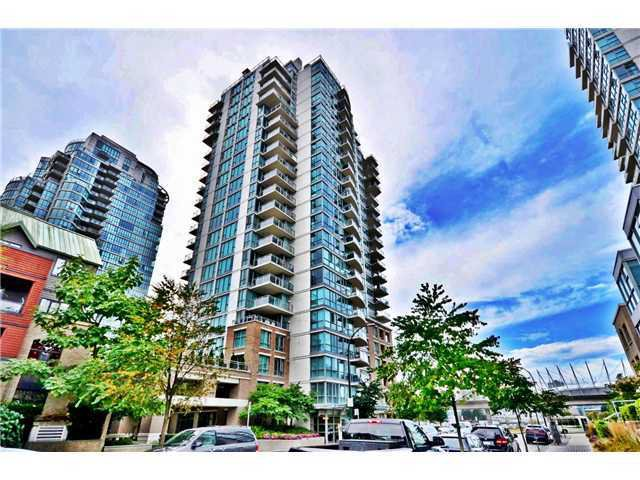 "Main Photo: 901 120 MILROSS Avenue in Vancouver: Mount Pleasant VE Condo for sale in ""THE BRIGHTON"" (Vancouver East)  : MLS®# V976401"
