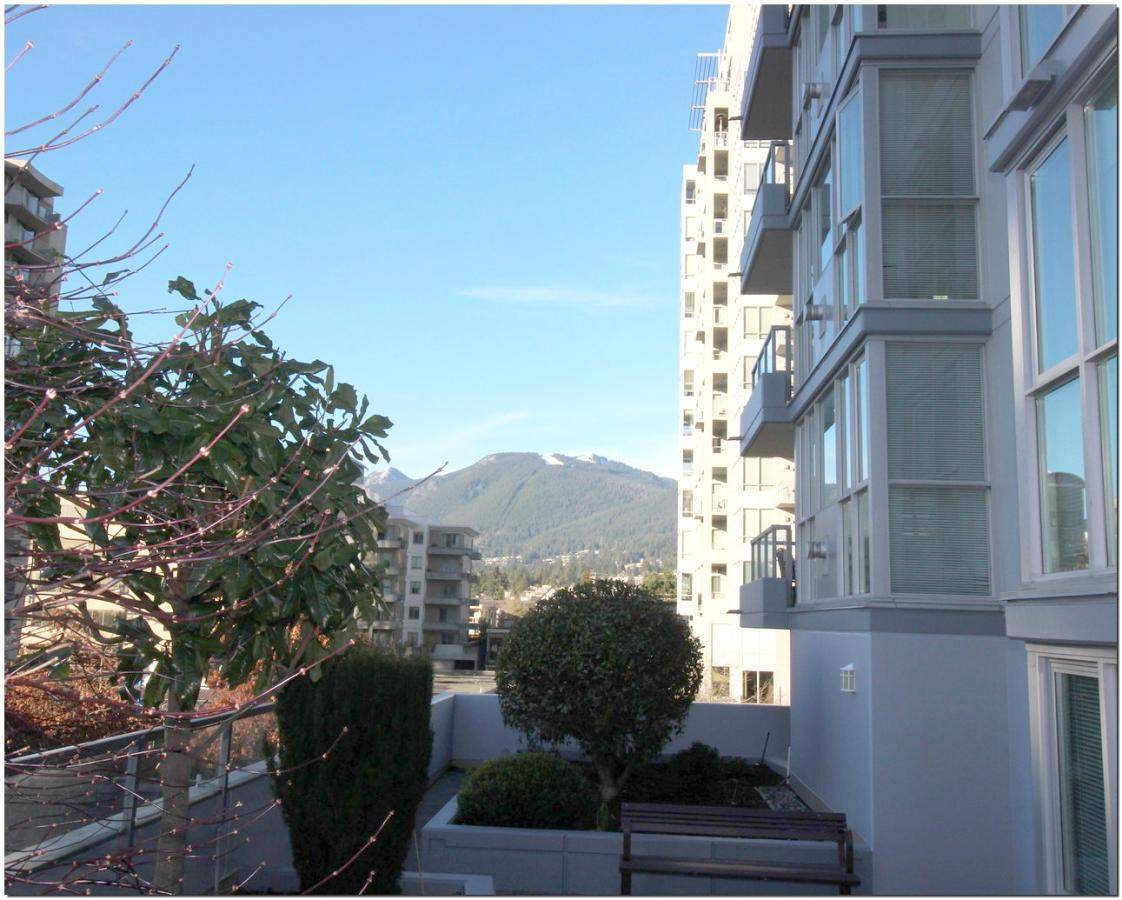 Photo 1: Photos: 302 121 W 16TH STREET in North Vancouver: Central Lonsdale Condo for sale : MLS®# R2035168