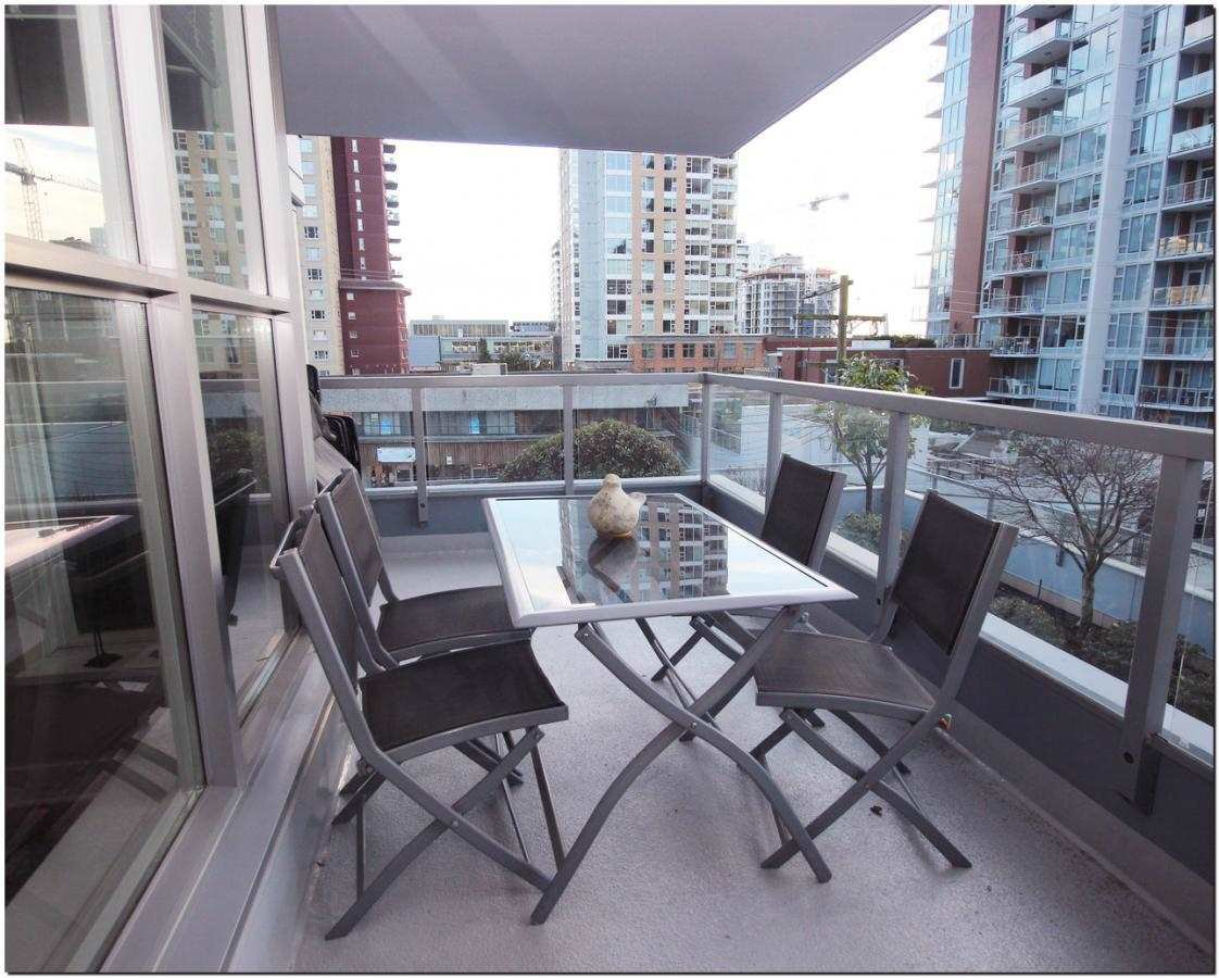Photo 8: Photos: 302 121 W 16TH STREET in North Vancouver: Central Lonsdale Condo for sale : MLS®# R2035168