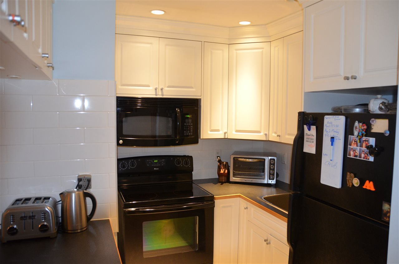 Photo 8: Photos: 101 141 W 13TH STREET in North Vancouver: Central Lonsdale Condo for sale : MLS®# R2045697
