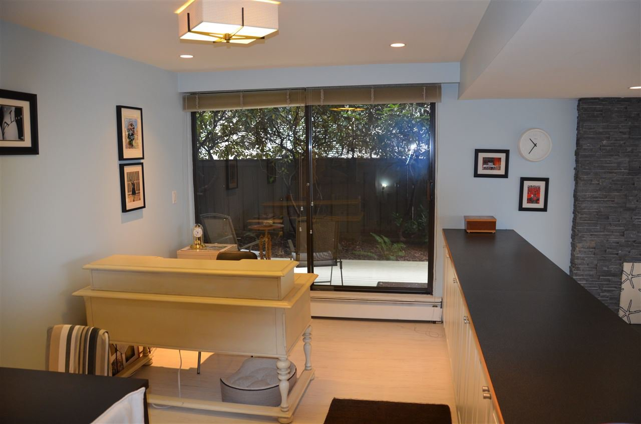 Photo 5: Photos: 101 141 W 13TH STREET in North Vancouver: Central Lonsdale Condo for sale : MLS®# R2045697