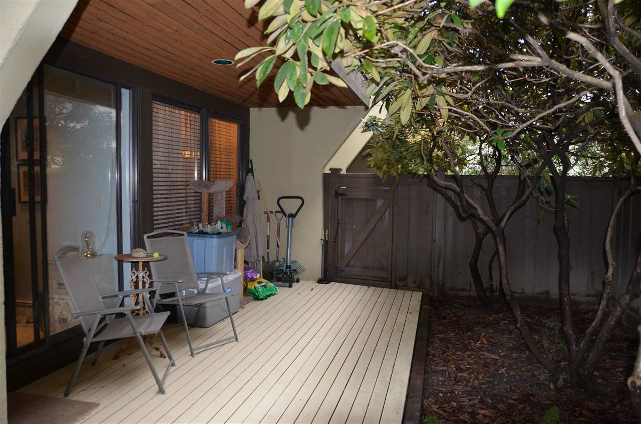 Photo 11: Photos: 101 141 W 13TH STREET in North Vancouver: Central Lonsdale Condo for sale : MLS®# R2045697