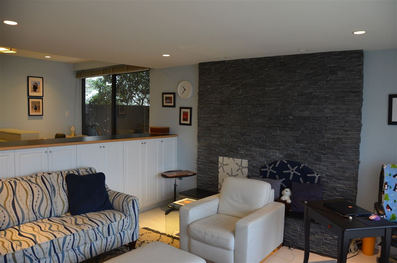 Photo 3: Photos: 101 141 W 13TH STREET in North Vancouver: Central Lonsdale Condo for sale : MLS®# R2045697