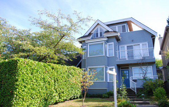 Main Photo:  in Vancouver: House for rent : MLS®# AR033